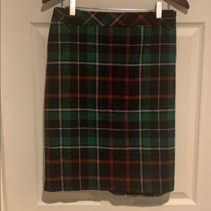 Fully lined wool skirt